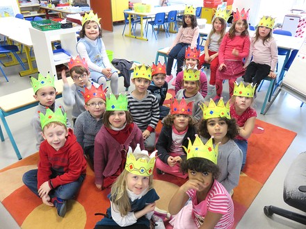 http://maternelle.sennecey.free.fr/images/c/couronnes_201501_11_800.jpg