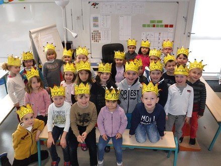 http://maternelle.sennecey.free.fr/images/c/couronnes_201701_800.jpg